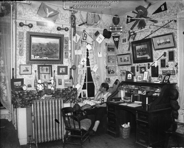 Bates College Dorm Room, 1901