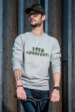 Charger l'image dans la galerie, Sweat homme « 1976 Foreverts » - CHASUBLES