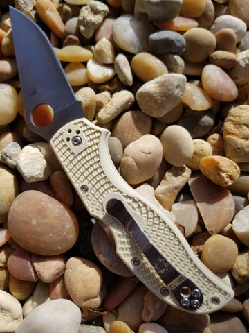 "Spyderco C90FIV2  Stretch 2 w/ Ivory FRN / Sprint Run Lock Lockback Folding Knife (3.4"" Satin)"
