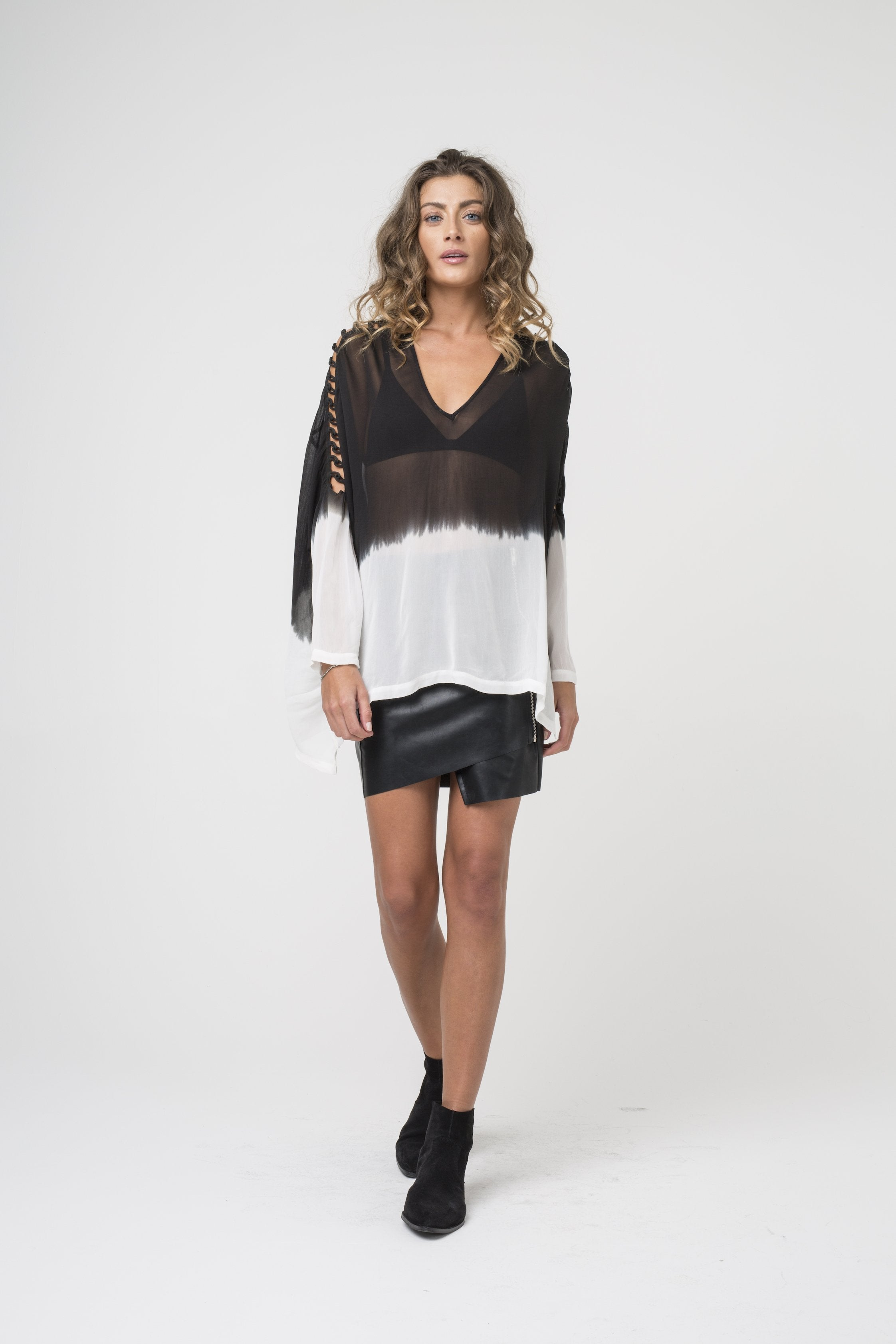 Long Sleeve Top deep v-neckline black and white