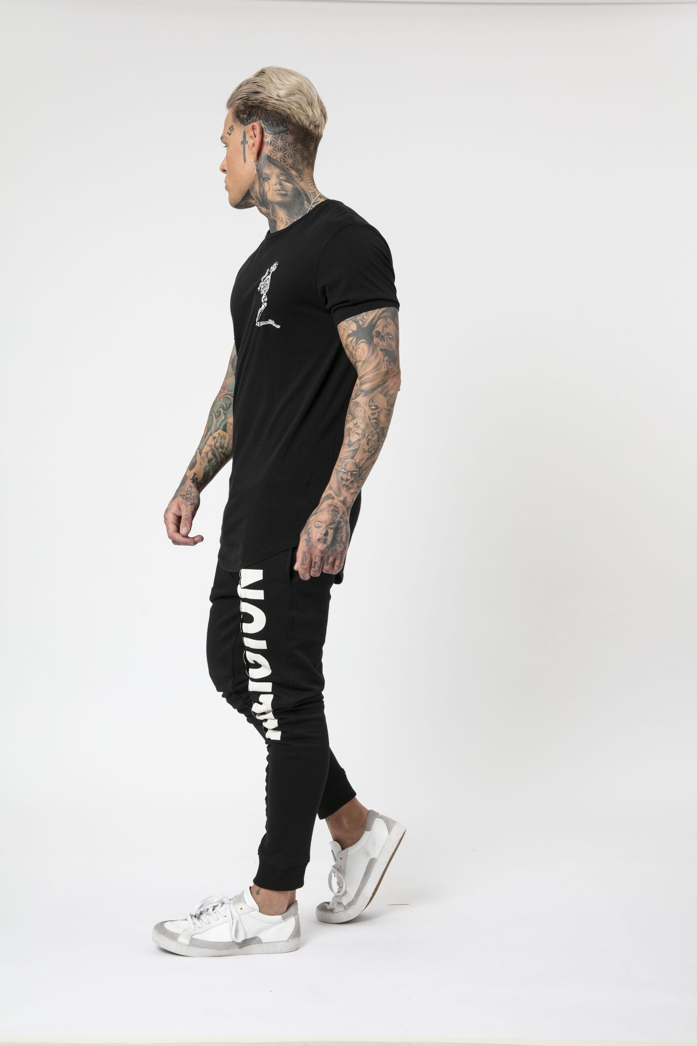 Praying Skeleton Longline T-Shirt black