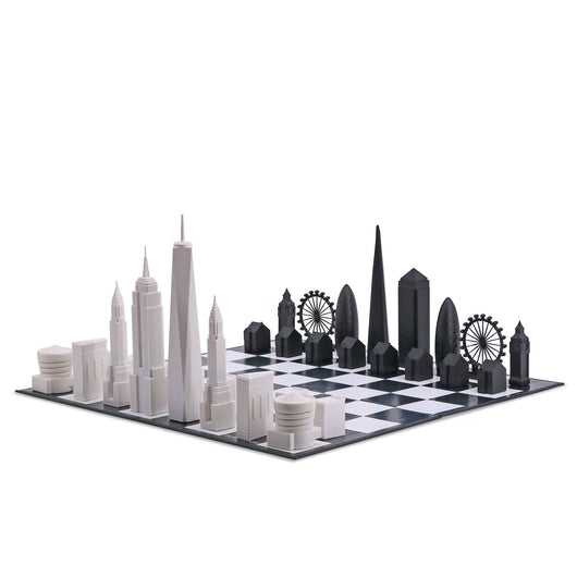 NEW YORK VS LONDON SKYLINE CHESS SET