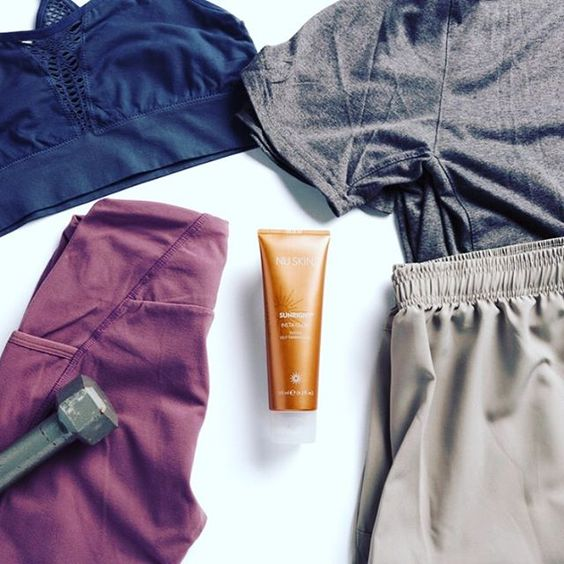 Sunright | Insta Glow Tinted Self-Tanning Gel - Men's - Nu Skin - MC Beauty Buys