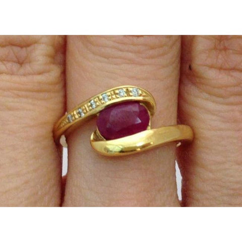 Image of Luxinelle Yellow Gold Diamond Twist Ring With Oval Cut Ruby In 18K By Luxinelle® Jewelry - Ring