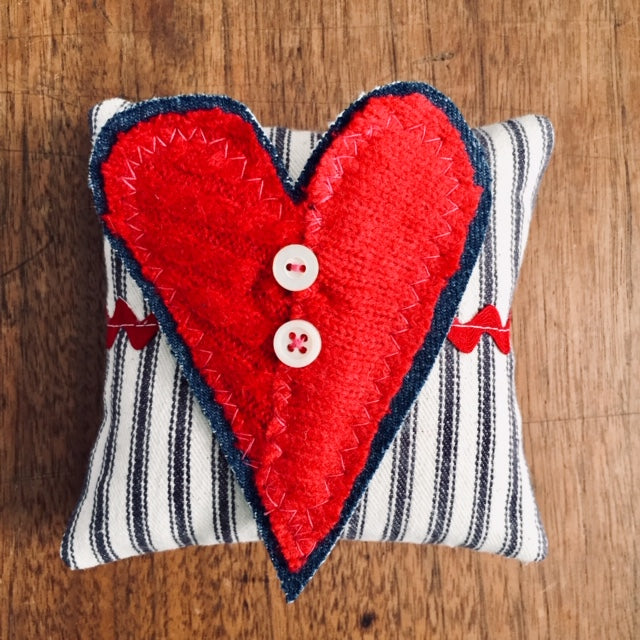 Heart Pin and Sachet Set, 2 Pieces