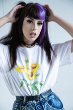 Load image into Gallery viewer, White Sunflower Retro Tee