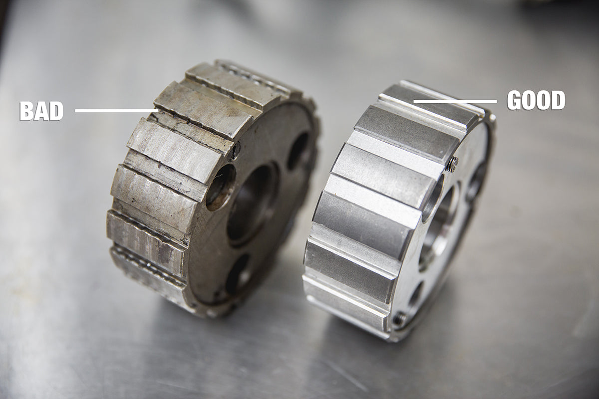 Notice the wavy grooves on the left clutch center hub, this is caused from the clutch plates slamming to hard into it. This creates a sloppy clutch. Triumph 650 clutch inspection and service-Triumph 650 Clutch Inspection and Service-18