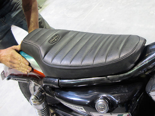 How to install biltwell inc. banana seat or cafe seat-4