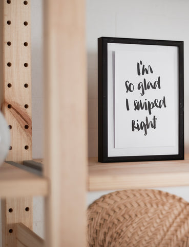 "Brush Lettering Postkarte ""Swipe right"""