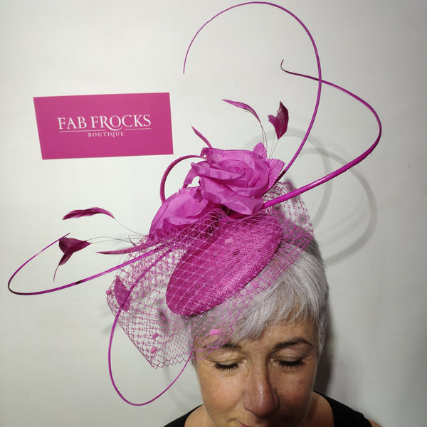 SG833 Magenta Pink Luis Civit Fascinator - Fab Frocks