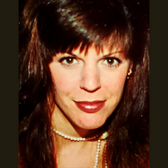 Christine C. Oddo founder Mettalusso Author The Christine Report Blog and Writer Poemstar