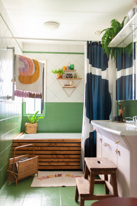 DIY Bathtub Skirting