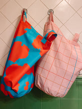 Load image into Gallery viewer, Dakota Laundry & Storage Bag.