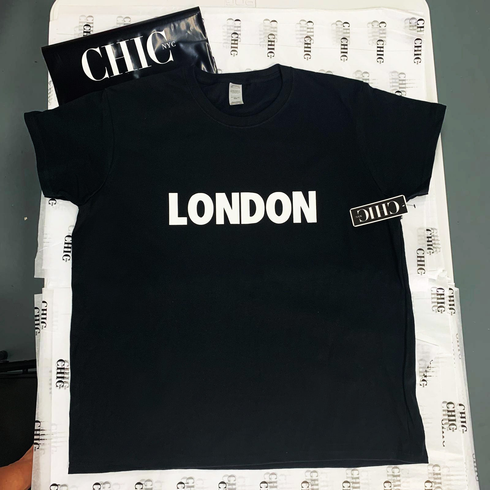 London Famous Tee - Black, White or Gray