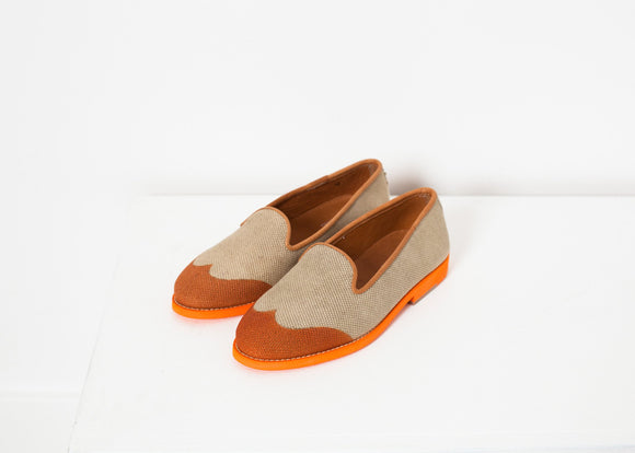 Wingtip Loafer in Orange