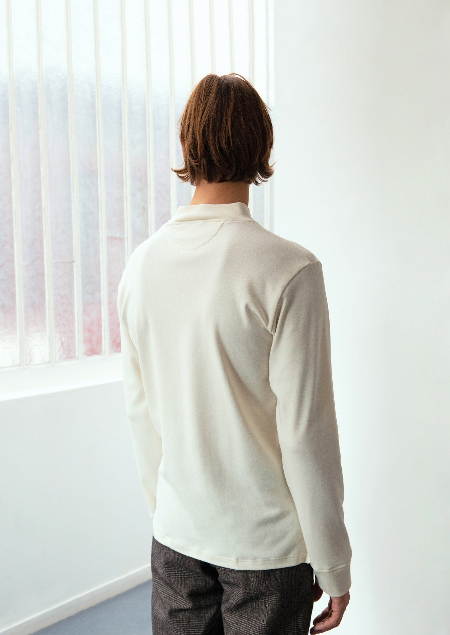 Mock neck t-shirt - Organic cotton interlock - Ecru - De Bonne Facture