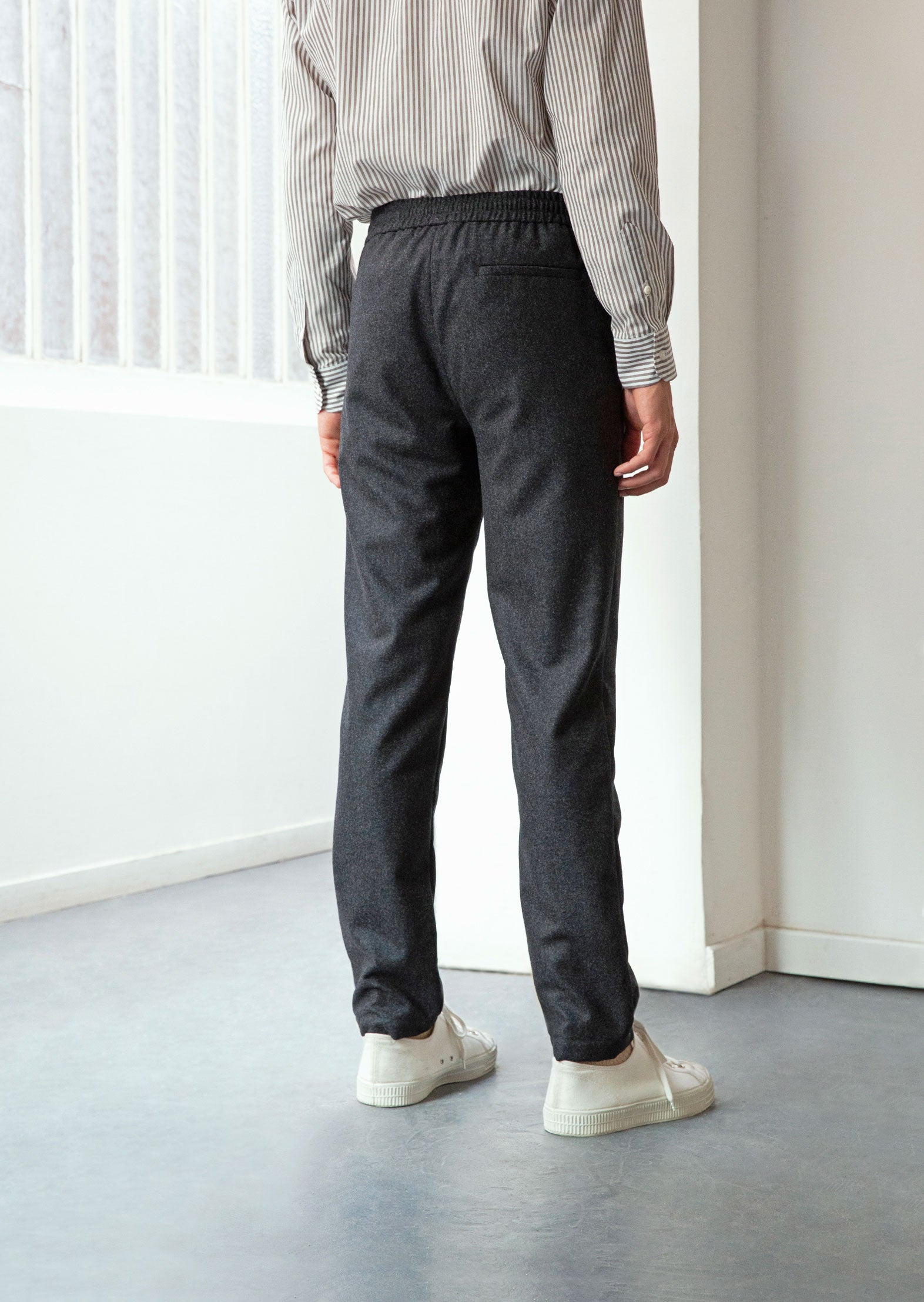 Relaxed trousers charcoal - Italian wool flannel - Charcoal