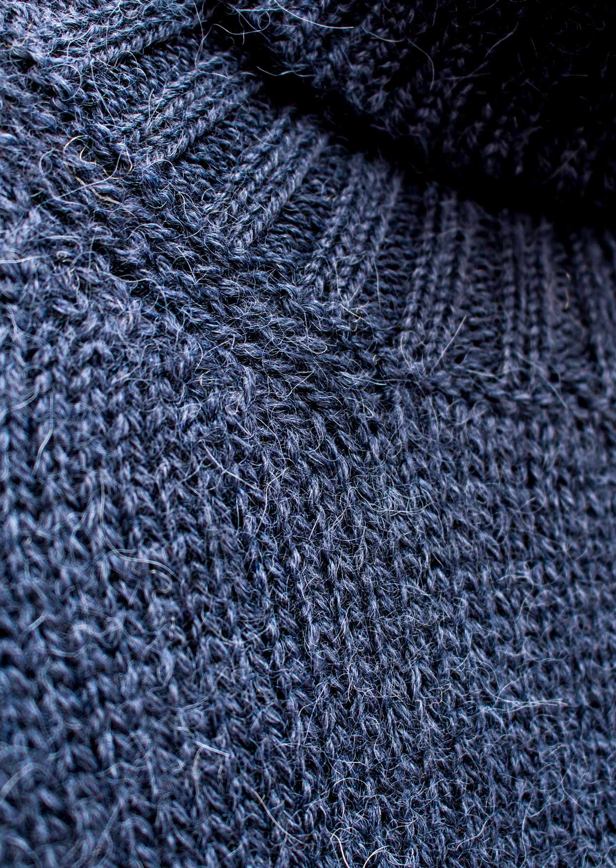 Turtle neck sweater - Peruvian superfine alpaca blend - Ink blue