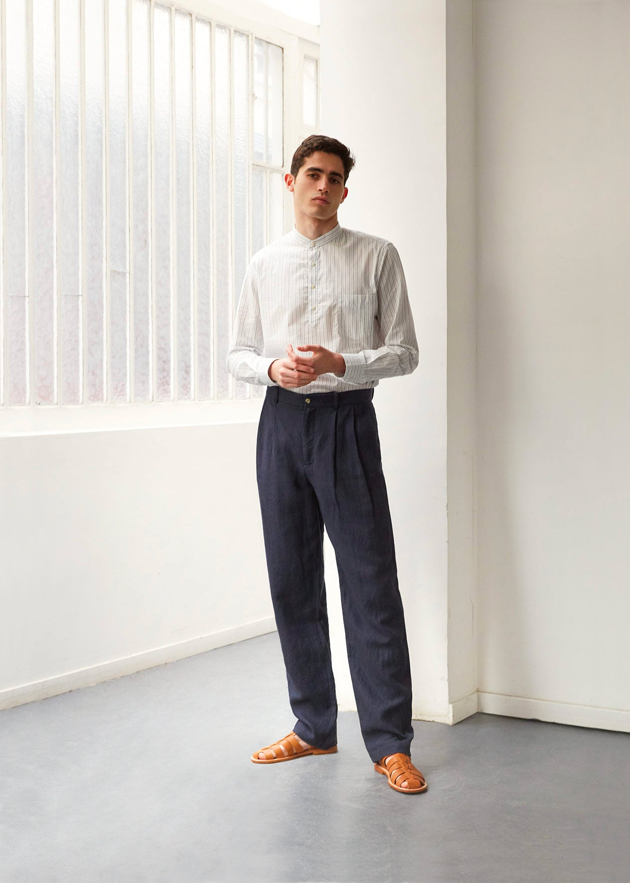 Two pleat large trousers - Washed & brushed linen - Navy - De Bonne Facture