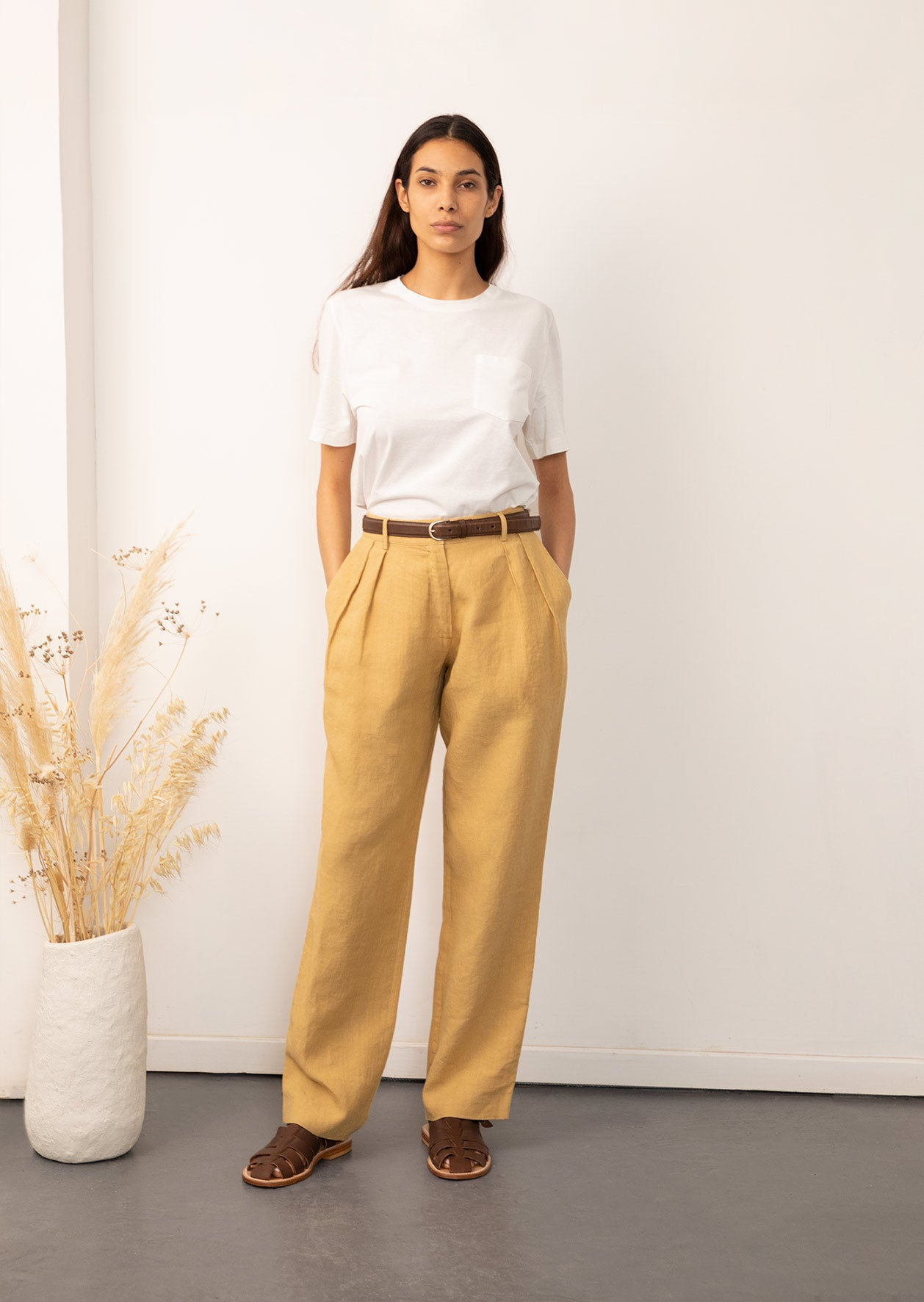 De Bonne Facture - two pleat large trousers - Belgian washed linen - Straw