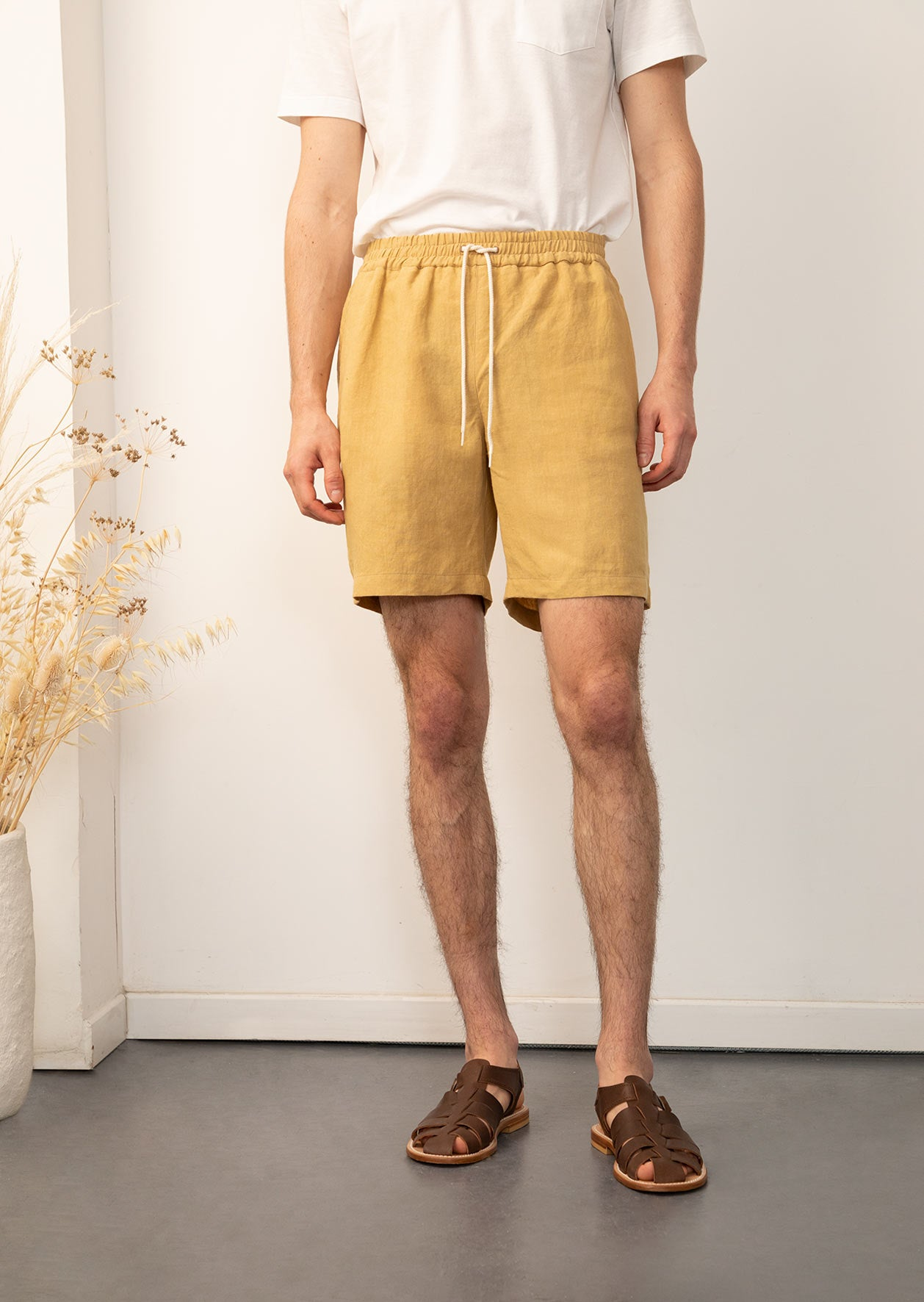 De Bonne Facture - Easy shorts - Belgian washed linen - Straw