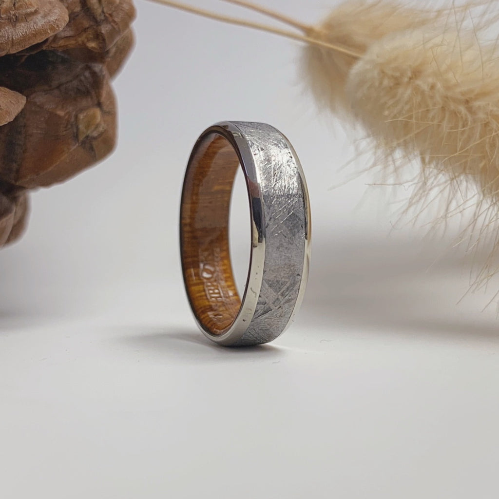 How to Choose a Wedding Band: Men's Edition