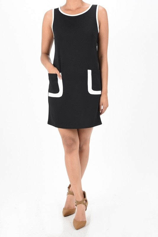 SLEEVELESS KNIT DRESS WITH FRONT POCKETS