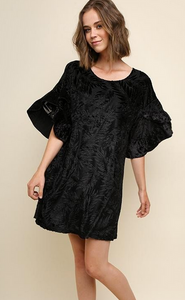 Floral velvet dress with ruffled sleeve