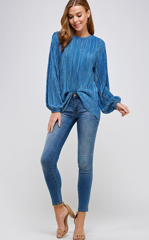 Solid pleated long sleeve blouse