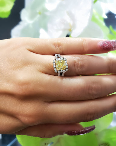 https://www.kingofjewelry.com/collections/canary-diamond-engagement-rings/products/2-76-ct-radiant-cut-canary-fancy-light-yellow-halo-diamond-engagement-ring-gia-vs2