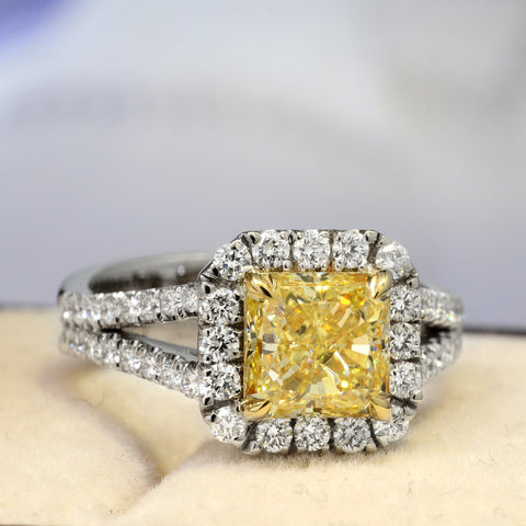 2.20 Ct. Canary Fancy Yellow Square Radiant Cut Diamond Engagement Ring SI1 GIA Certified