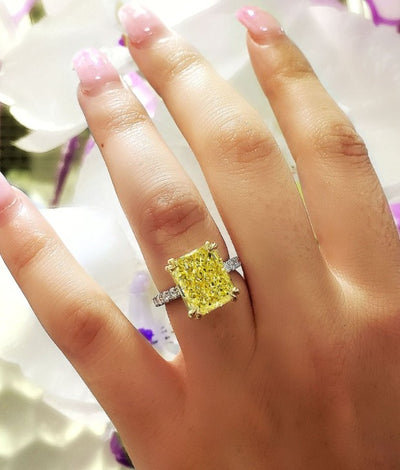 Elongated Radiant Cut Canary Fancy Light Yellow Diamond Ring