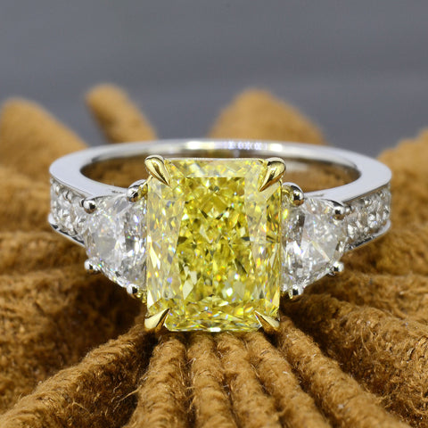 Platinum 4.15 Ct. Canary Fancy Yellow Radiant Cut Diamond Engagement Ring VS1 GIA Certified