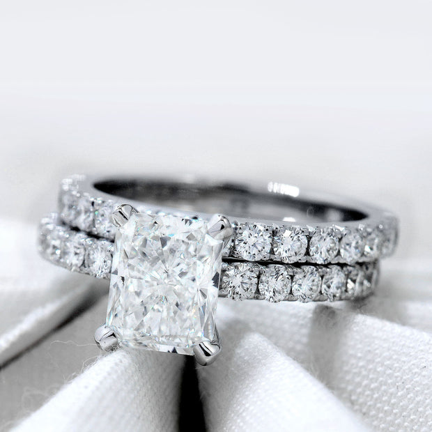 2.20 Ct. Radiant Cut Diamond Engagement Ring Set w Accents F Color VS1 GIA Certified