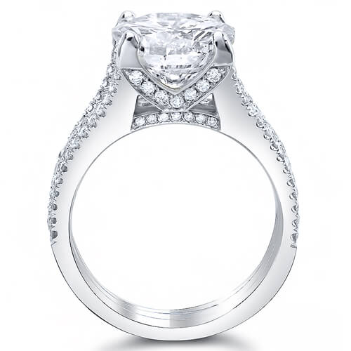4.65 Ct. Cushion Cut Diamond Engagement Ring w/ Round Pave I,VVS1 GIA