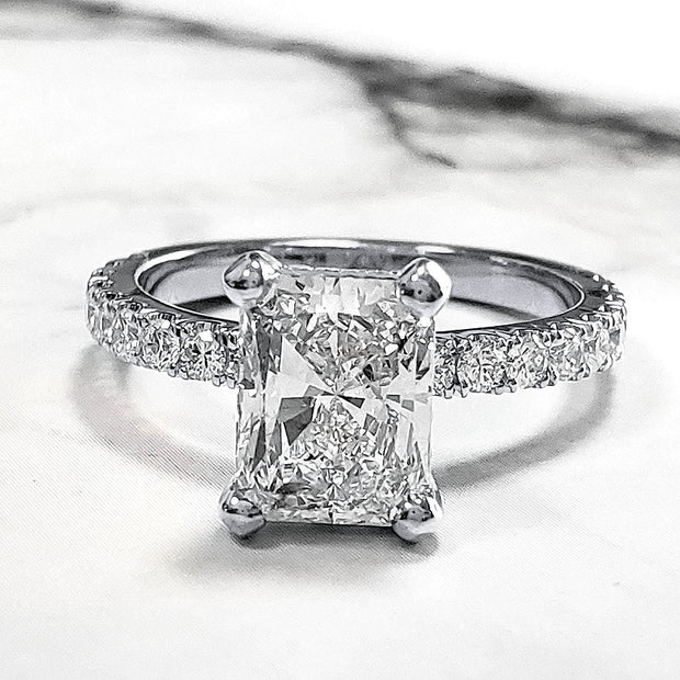 2.00 Ct. Radiant Cut Diamond Engagement Ring Set w Accents H Color VS1 GIA Certified