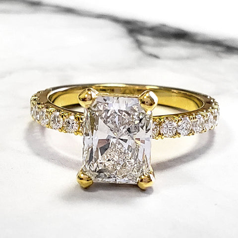 2.60 Ct. Radiant Cut Diamond Engagement Ring w Matching Band H Color VS2 GIA Certified