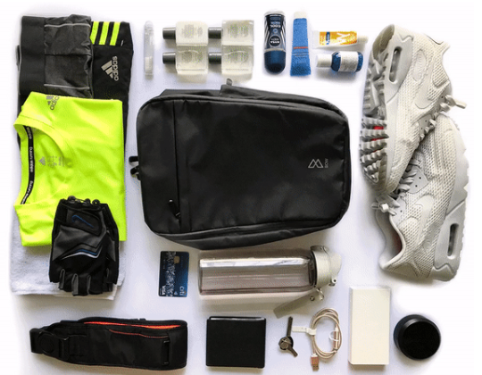 4 must-haves for your gym session - flatlay of items needs for an exercise session