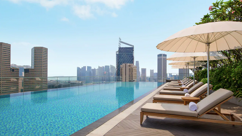 Andaz Outdoor Swimming Pool