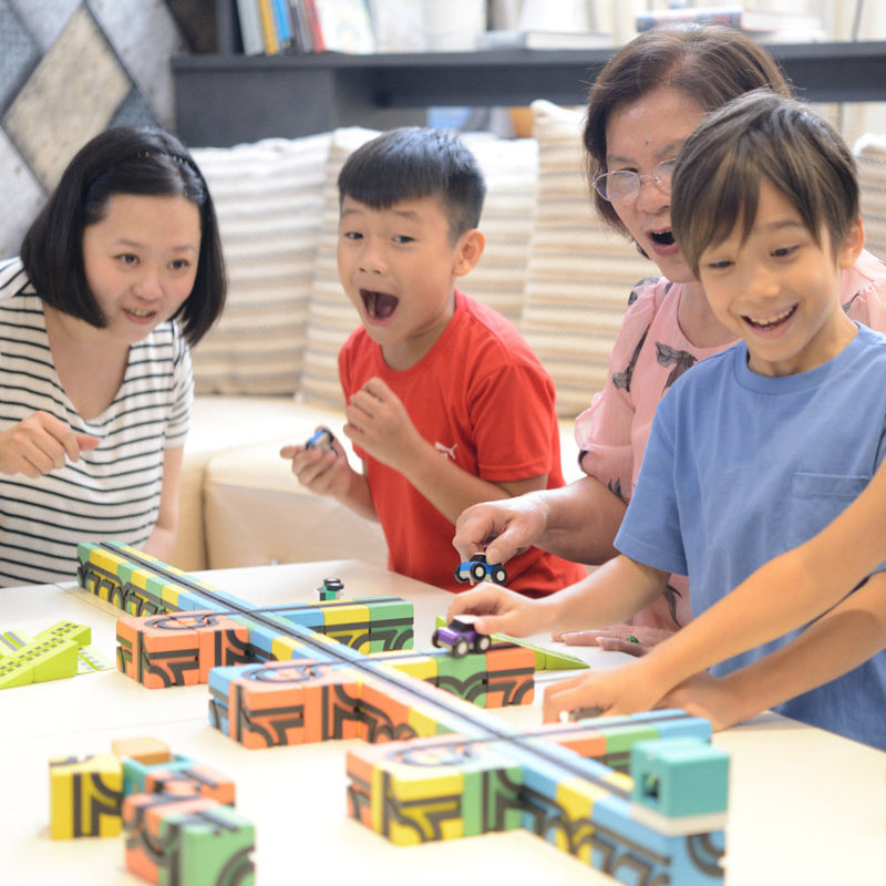 Qbitoy Magnetic Cubes - Unleash Your Child's Creativity let your children and friends play