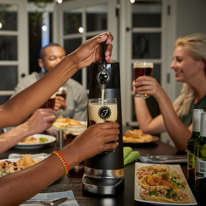 Fizzics DraftPour – Portable and Fresh Beer Nitro-Style at home for parties and gatherings