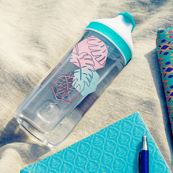 Quokka Tritan Bottle MINERAL – Quick Access Drinking with pink and green patterns