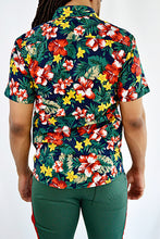 Load image into Gallery viewer, Floral Button-up Shirt