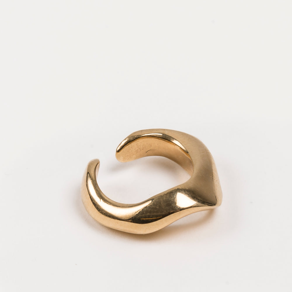 Folded Ear Cuff M Gold by Cornelia Webb