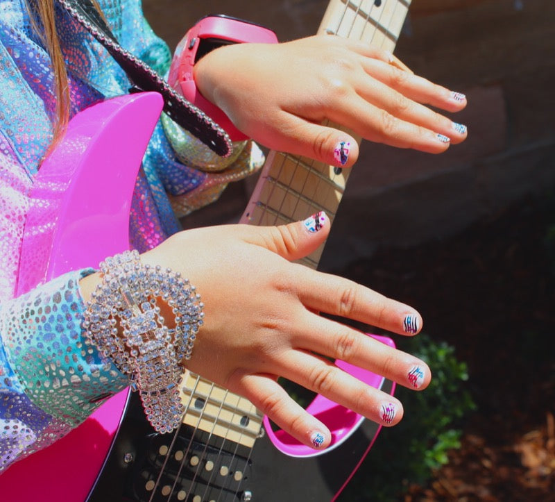 Little-Girl-Nails-CMA-Fest