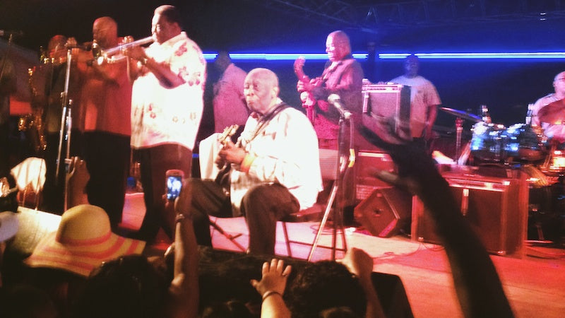 BB King still performing strong at age 88 at his final homecoming show in Indianola, MS