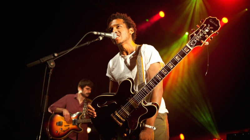 Benjamin Booker on tour in France with his Original Fuzz guitar strap - photo 4