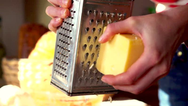grating-cheese
