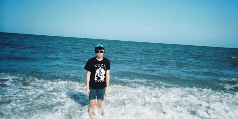 Lo-fi rocker Mat Cothran on the beach