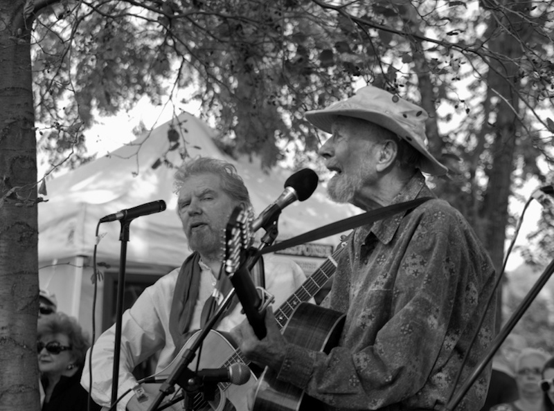 Pete Seeger at the Beacon, NY Pumpkin Festival in 2010